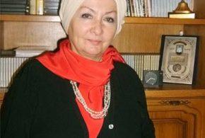 الدكتورة زينب عبد العزيز
