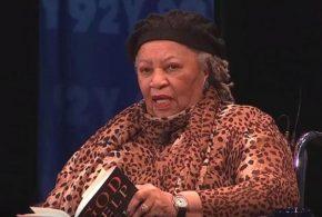 رحيل الكاتبة الأفرو أمريكية توني موريسون